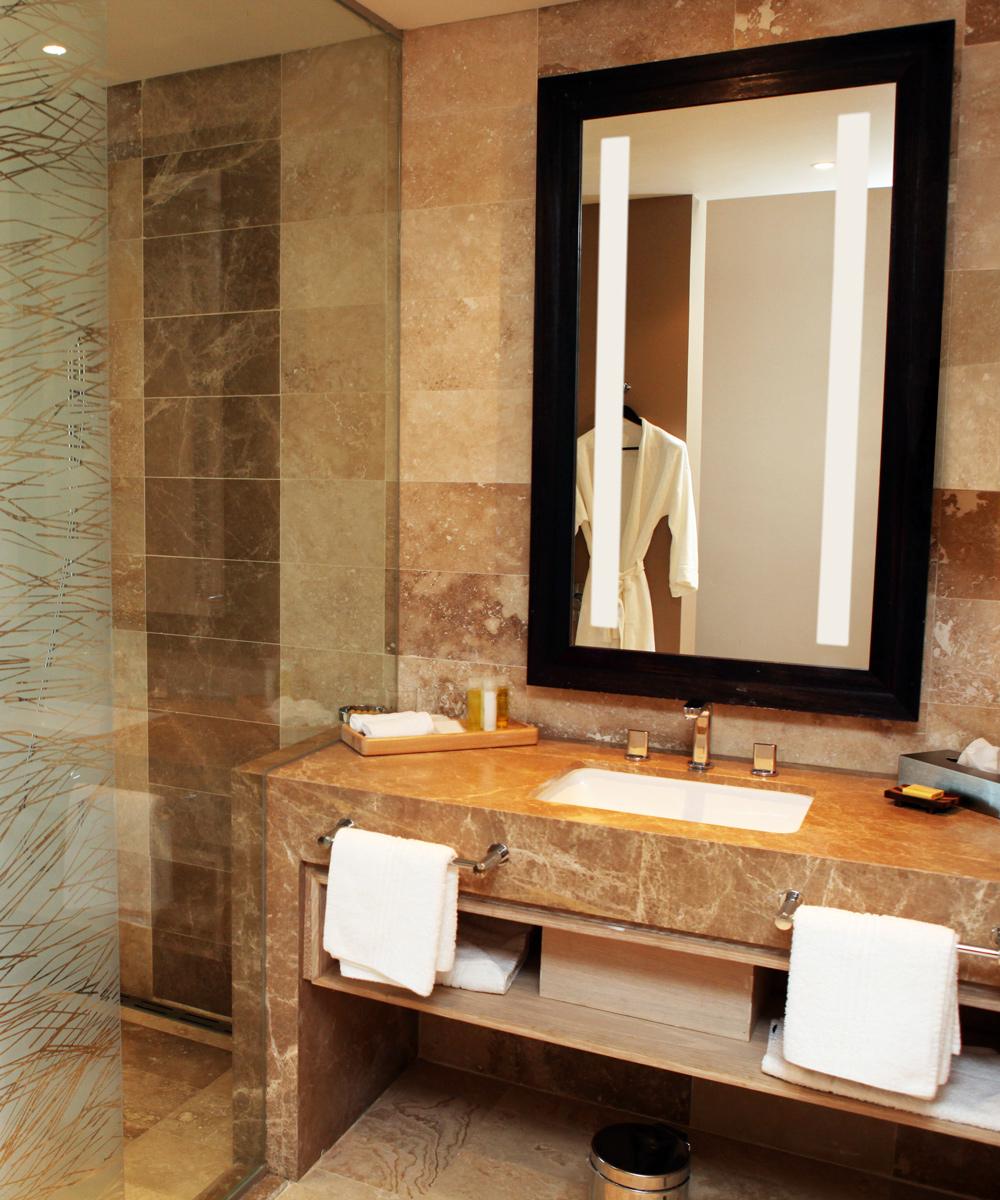 led illuminated bath mirror with wood frame